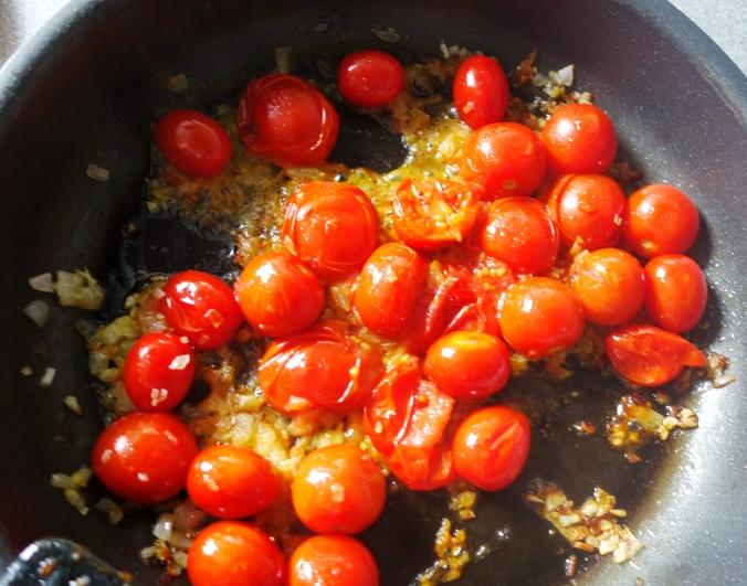 Marag Bilaash somali tomato sauce DSC06623a.JPG