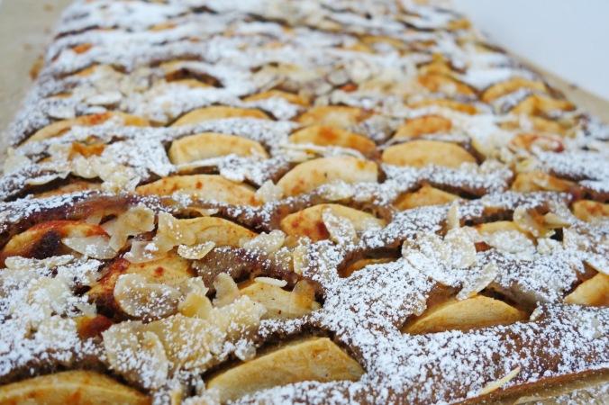 Buchweizen Apfelkuchen vom Blech DSC08055a
