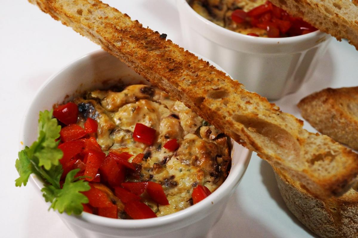Gebackener Ricotta  mit Oliven und Paprika – Ricotta alforno