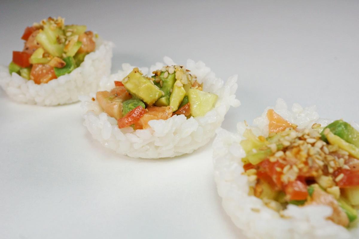Sushi Muffins mit Lachs und Avocado – SushiTaler