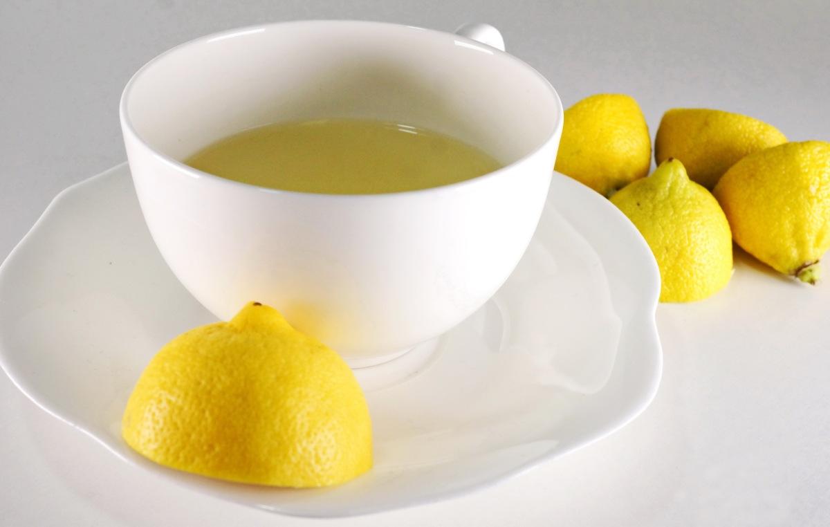 Erfrischender Zitronen-Ingwer-Tee