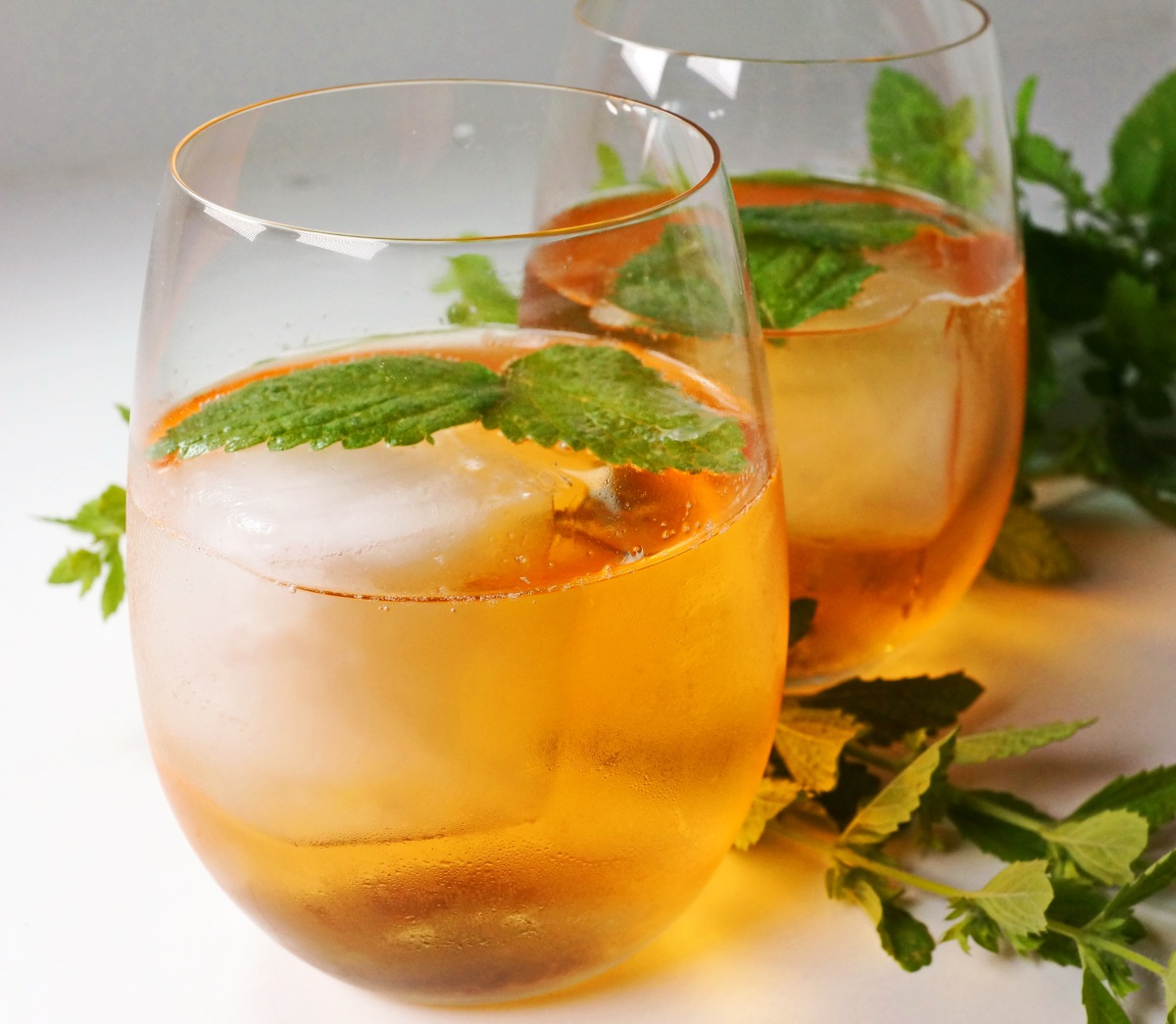 Rosé mit Schuss – Aperitivo Rosé & Aperol – SpritzRosé