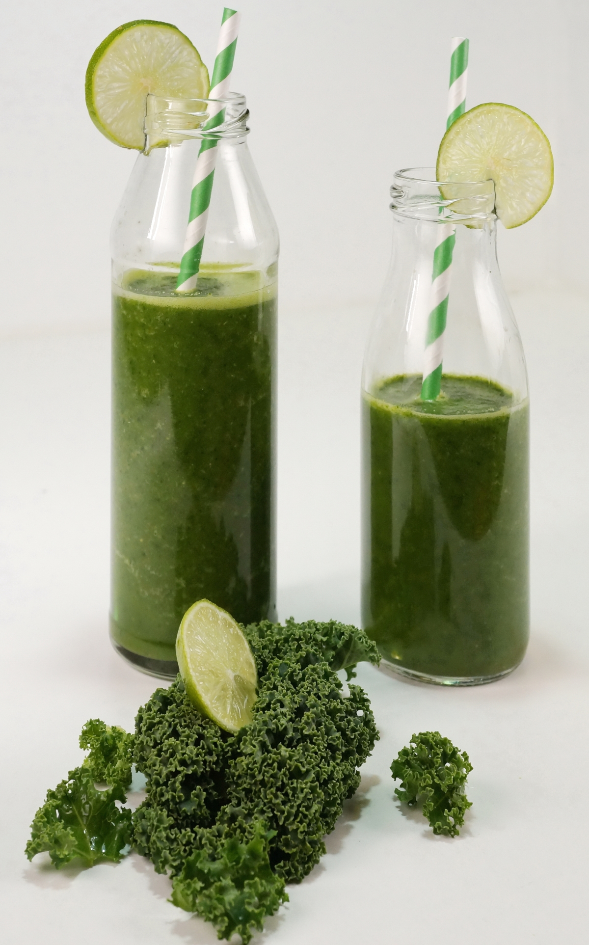 Ein Winter-Smoothie: Grünkohl-Smoothie mit Ingwer, Apfel &Limette