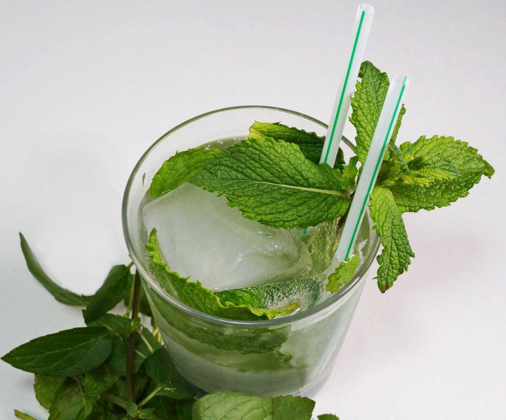 Cooler Sommerdrink: Mint-Julepalkoholfrei
