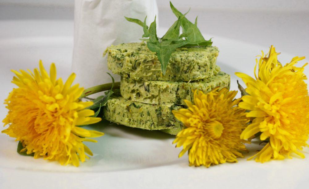 Selbstgemachte Loewenzahn-Butter