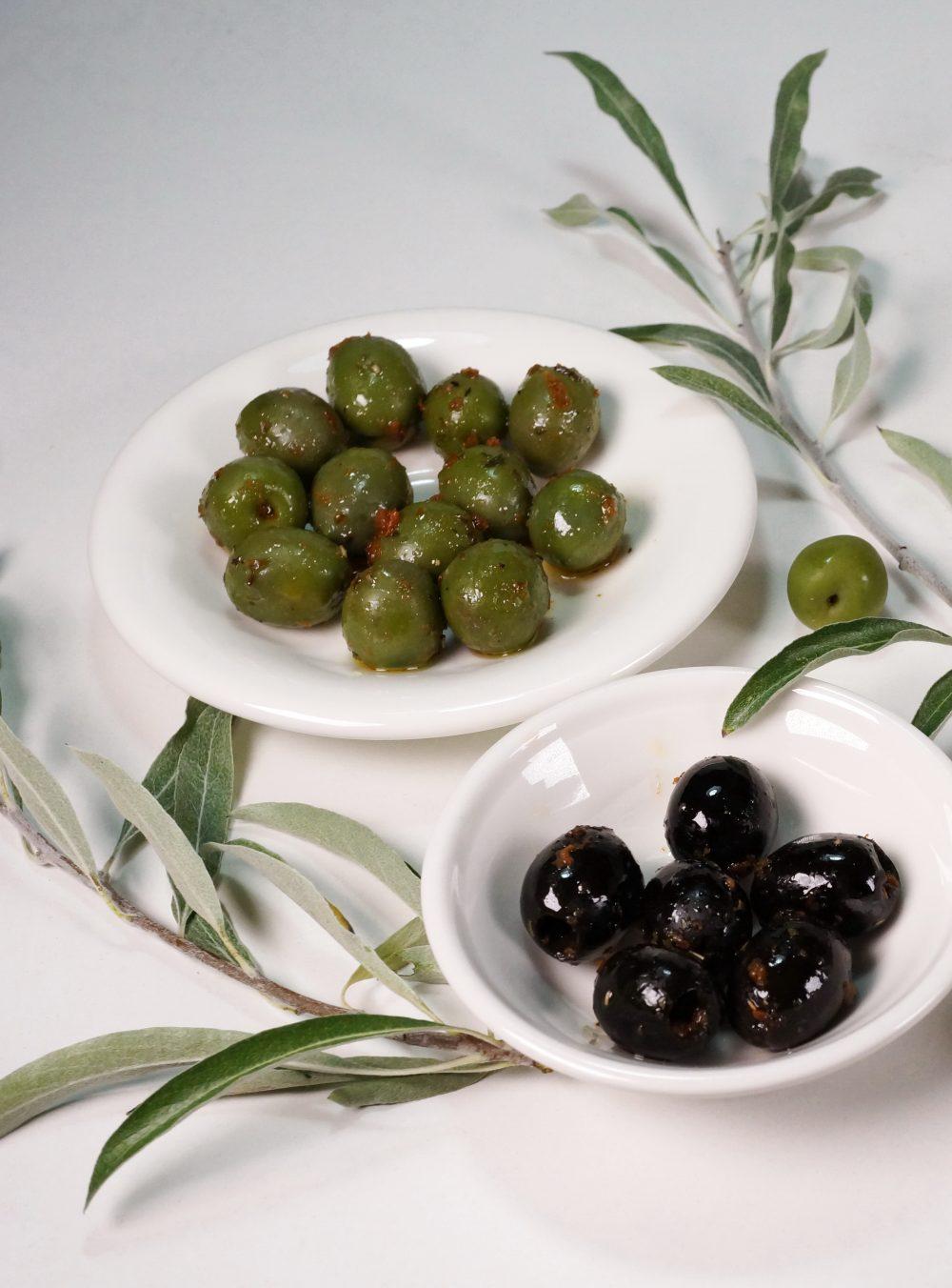 Mezze: Eingelegte Oliven – fruchtig, pikantmariniert