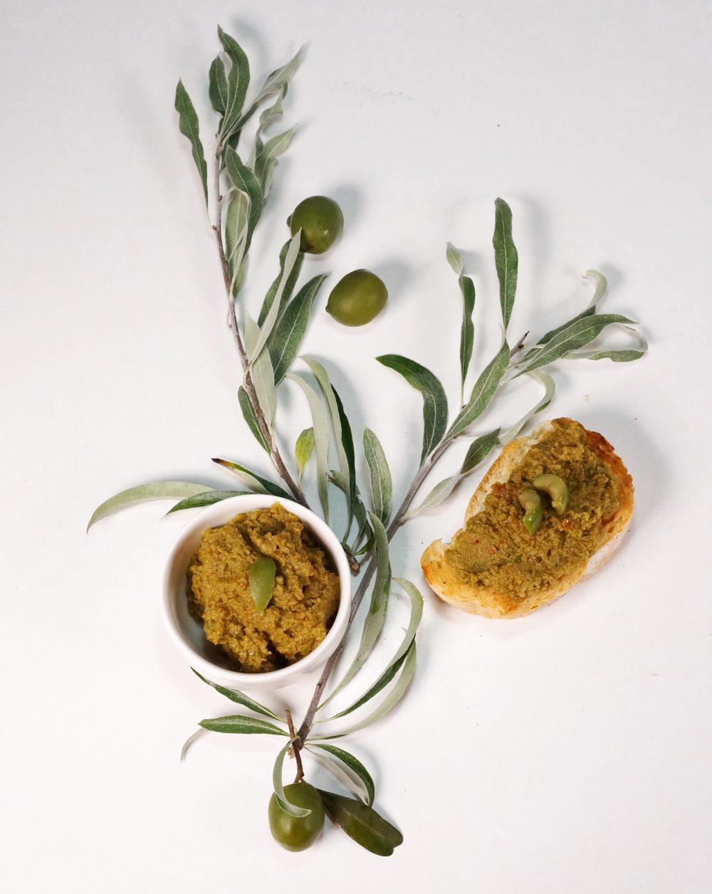 Tapenade in gruen: grueneOlivenpaste