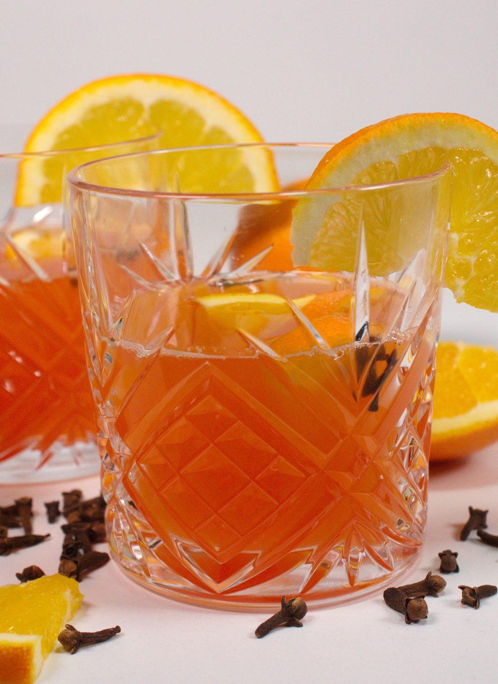 Orangenpunsch mit Aperol & Gewuerznelken * Hot Aperol Spritz