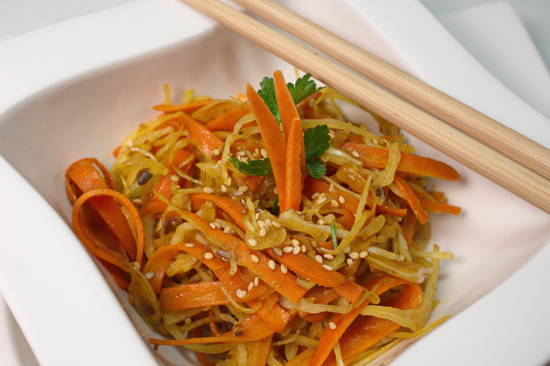 Schnelles Wok-Gemüse mit Weisskohl & Karotten