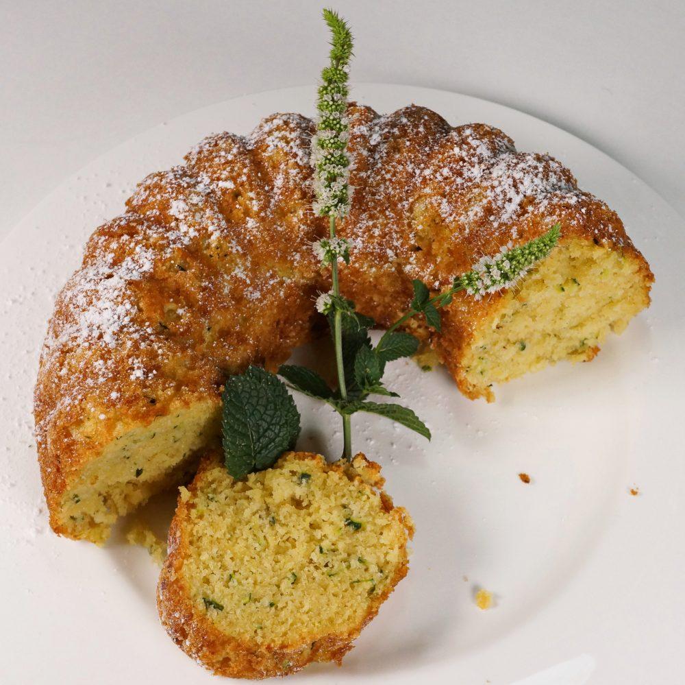 Zucchini-Kuchen mit Mandeln